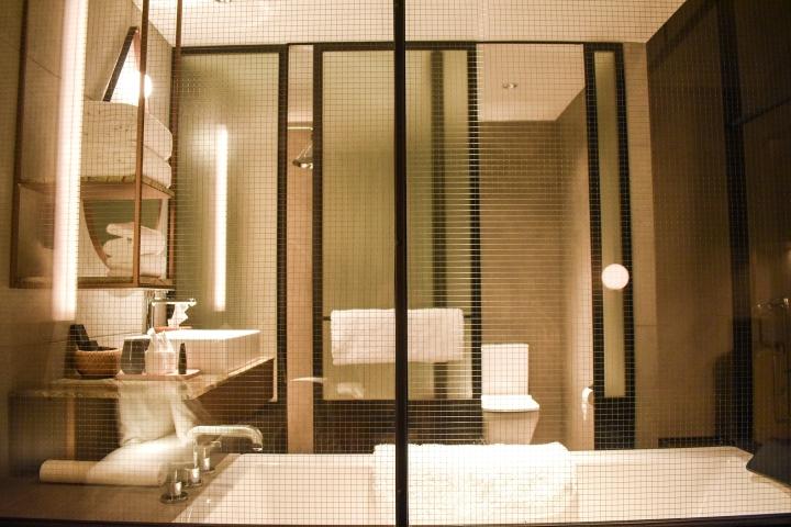 The Warehouse Hotel Singapore Bathtub