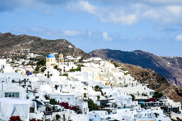 oia santorini sightseeing shopping.jpg